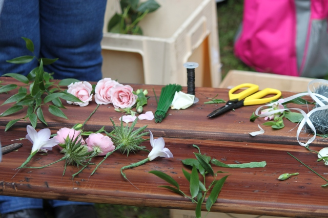 Making floral hair pieces