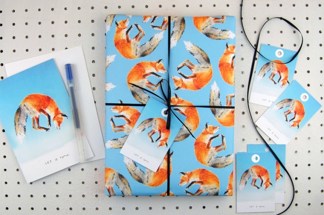 Blank_inside_Christmas_fox_let_it_snow_eco_recycled_wrapping_paper_liz_temperley