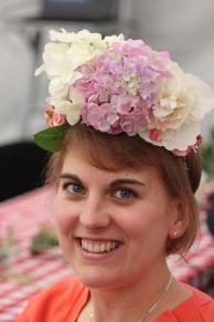 Flower crown sister