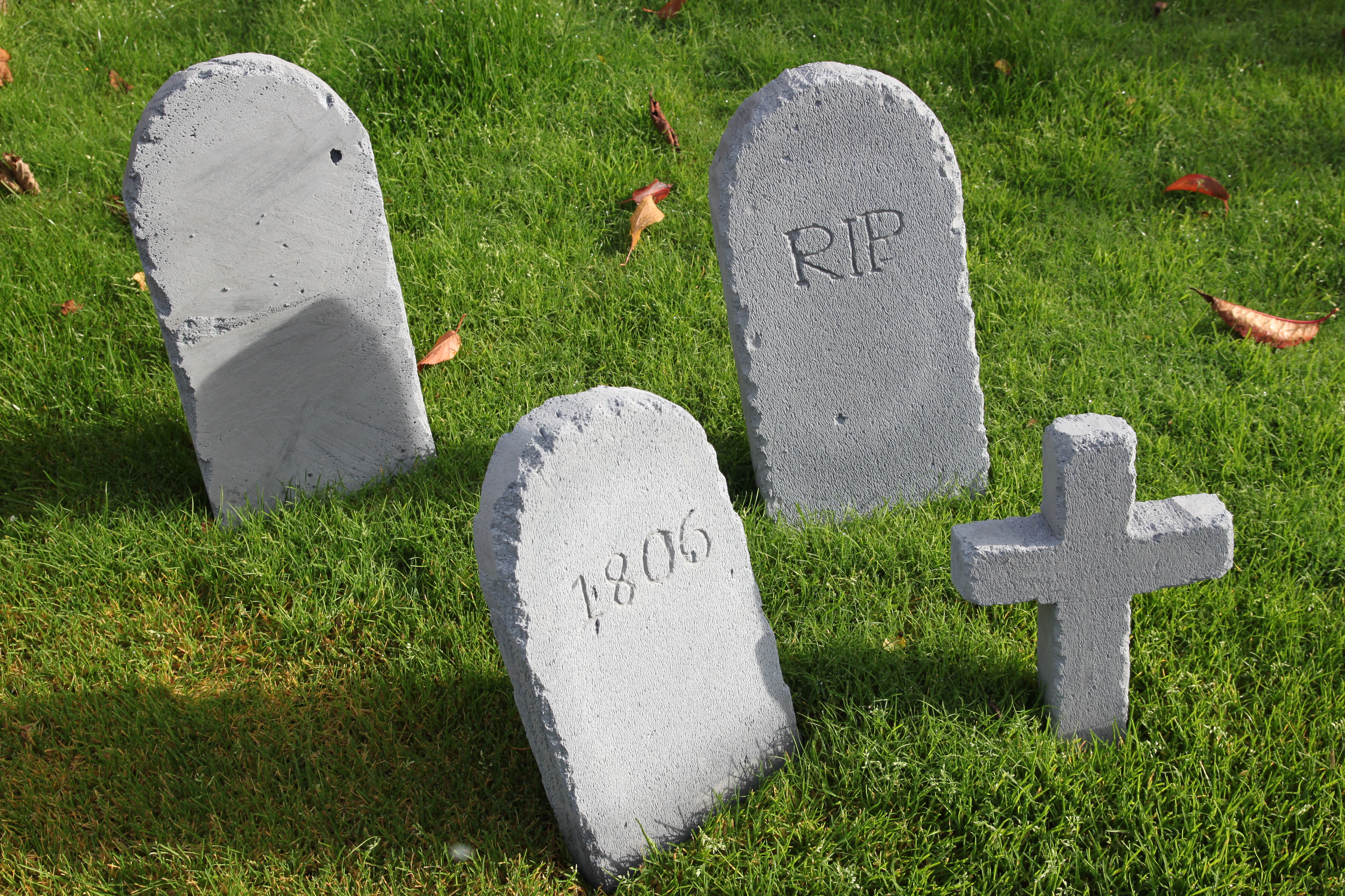 diy halloween tombstones | shelley makes