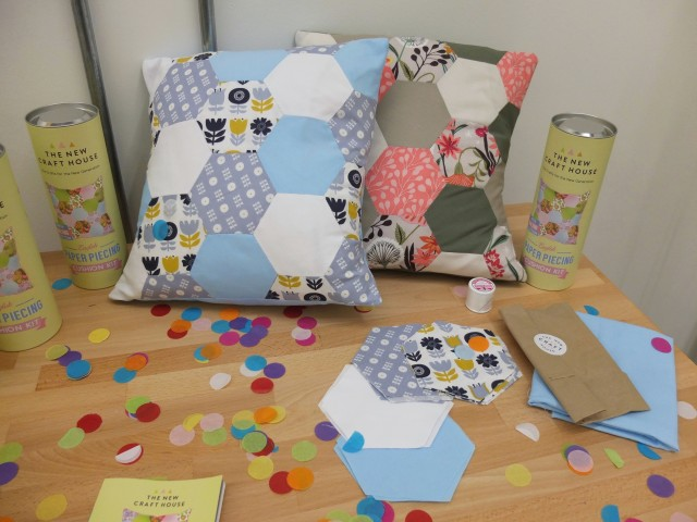 English Paper Piecing Cushion kit
