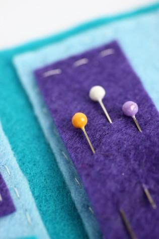 Felt cupcake needle book | Shelley Makes