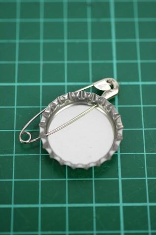 DIY Grape Soda Pin Badge from UP (18)