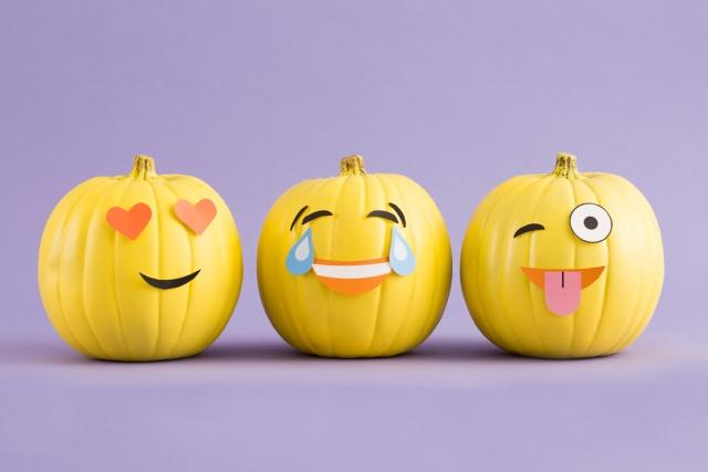 diy-emoji-pumpkins