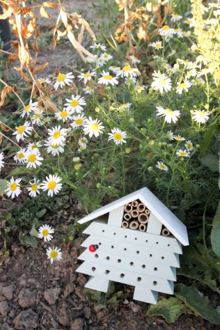 DIY Bug Hotel_Shelley Makes-8595